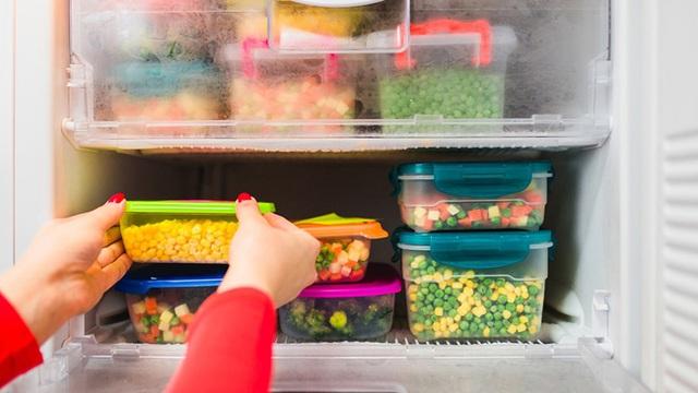 Nguy cơ ngộ độc thực phẩm trong mùa hè nắng nóng: Chuyên gia chỉ ra cách bảo quản thực phẩm đúng - Ảnh 4.