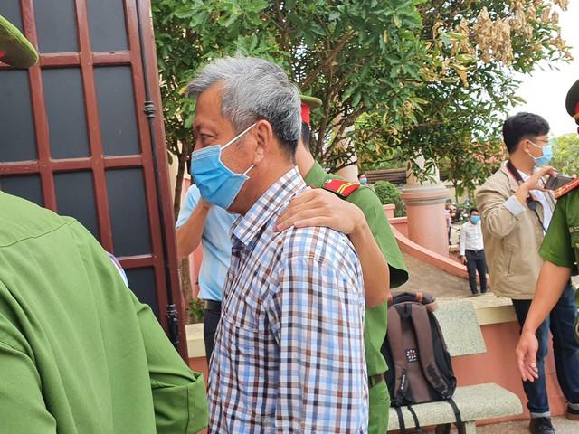 Xử đại gia xăng giả Trịnh Sướng: Xe biển số Cần Thơ, Sóc Trăng, TPHCM đậu kín đường  - Ảnh 5.