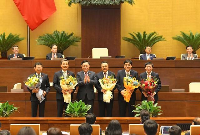 Đương kim Thủ tướng được bầu làm Chủ tịch nước và những điểm đặc biệt trong kỳ họp cuối cùng của Quốc hội khóa XIV - Ảnh 18.