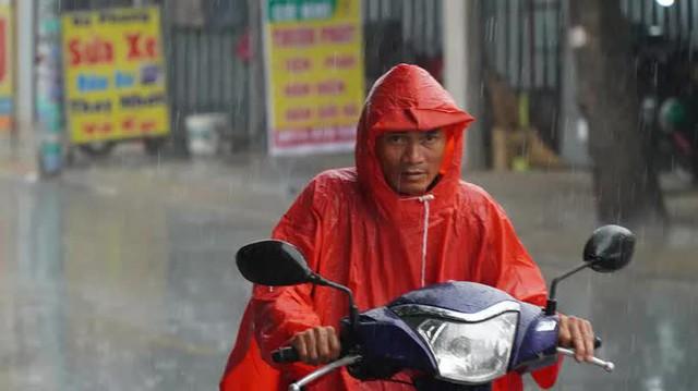 TP HCM đang đón mưa trái mùa và chuỗi mưa lớn  - Ảnh 2.