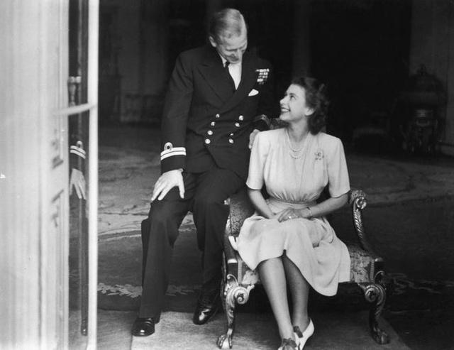 Hành trình tình yêu hơn 70 năm của người đàn ông là sức mạnh và sự chống đỡ của Nữ hoàng Anh: Công việc đầu tiên, thứ hai và cuối cùng của tôi là không bao giờ làm cho Nữ hoàng thất vọng - Ảnh 1.