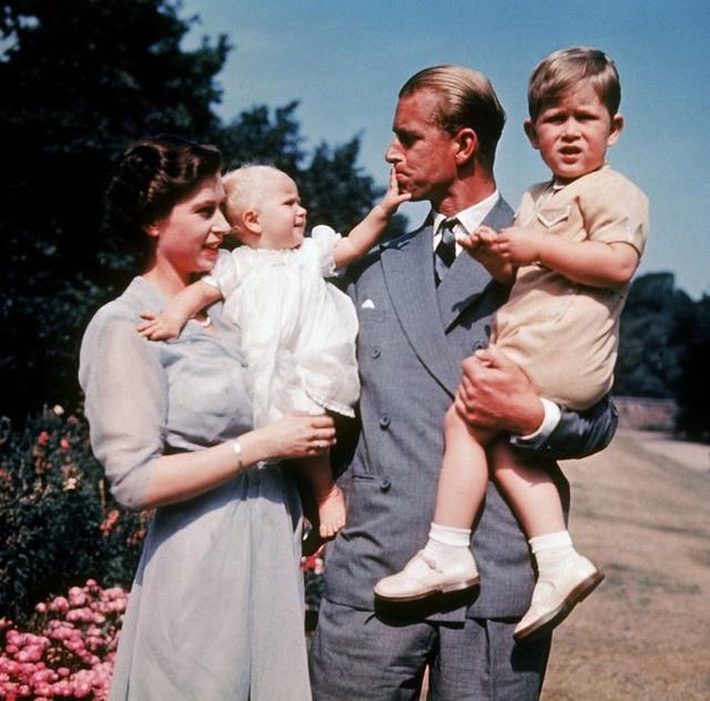 Hành trình tình yêu hơn 70 năm của người đàn ông là sức mạnh và sự chống đỡ của Nữ hoàng Anh: Công việc đầu tiên, thứ hai và cuối cùng của tôi là không bao giờ làm cho Nữ hoàng thất vọng - Ảnh 6.