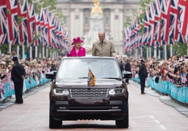 Hành trình tình yêu hơn 70 năm của người đàn ông là sức mạnh và sự chống đỡ của Nữ hoàng Anh: Công việc đầu tiên, thứ hai và cuối cùng của tôi là không bao giờ làm cho Nữ hoàng thất vọng - Ảnh 11.