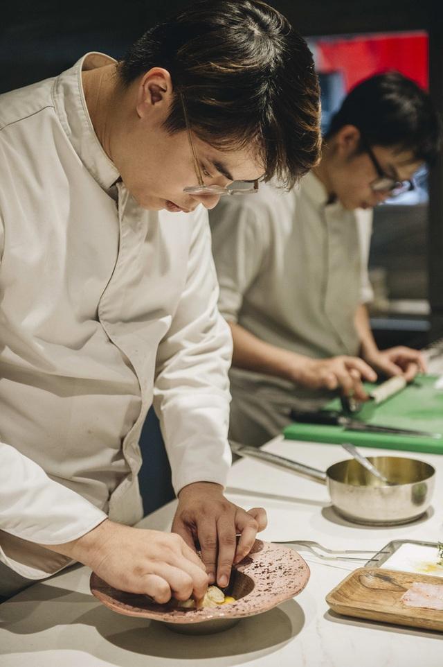 Bếp trưởng nhà hàng Hà Nội lọt top 100 châu Á: Bỏ sự nghiệp nước ngoài, về nước với công thức thành công chỉ sau 2 năm - Ảnh 16.