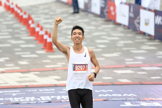 Nhà vô địch cự ly 21km Phu Quoc WOW Island Race 2021: Cung đường chạy năm nay dễ thở hơn, nhưng quá ấn tượng và khác biệt - Ảnh 1.