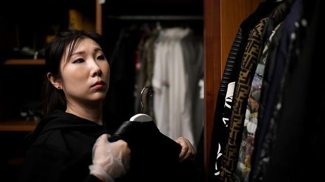Nở rộ nghề dọn tủ quần áo cho giới siêu giàu: Việc nhẹ lương cao, kiếm vài trăm triệu/năm - Ảnh 1.