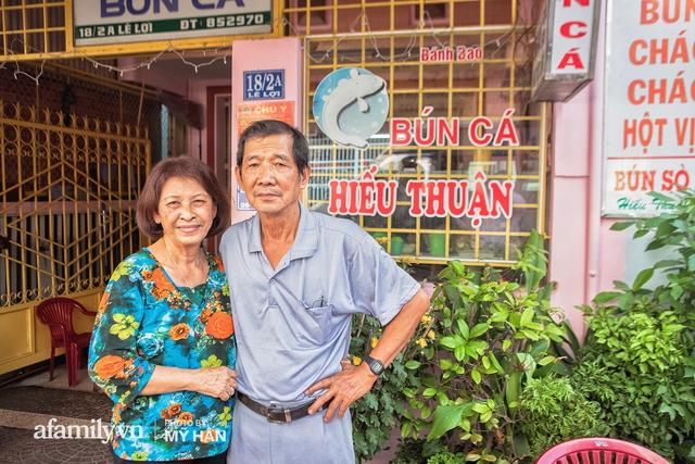 Không phải đầu bếp, nhưng hai thầy cô giáo ở miền Tây đã làm nên món ăn được xác lập kỷ lục 50 món đặc sản nổi tiếng nhất Việt Nam, bất ngờ về người nắm giữ công thức bí mật! - Ảnh 20.