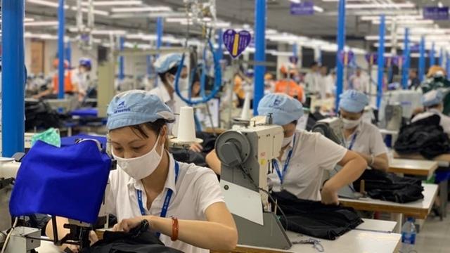 Hơn 1.800 đơn vị, doanh nghiệp khó khăn được tạm dừng đóng vào quỹ BHXH - Ảnh 1.