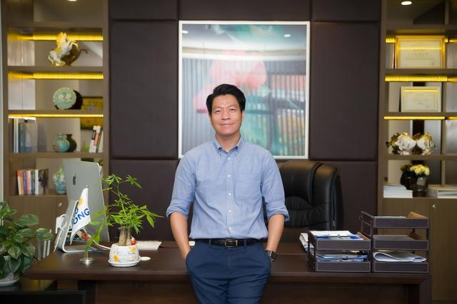 Chân dung CEO Phú Đông Group Ngô Quang Phúc - Từ nhân viên bán BĐS đến thuyền trưởng của những cao ốc chung cư cho giới trẻ - Ảnh 1.