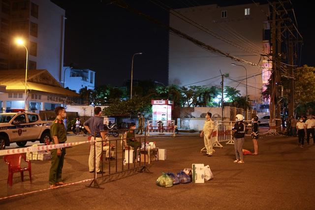 Đà Nẵng: Hơn 30 ca nghi nhiễm Covid-19, phong tỏa khẩn cấp KCN An Đồn trong đêm  - Ảnh 2.