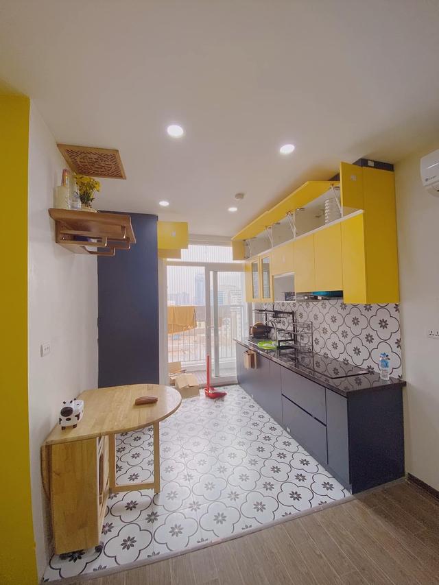 Làm gì để không gian căn chung cư nhỏ thoáng đãng mà vẫn đủ công năng cho gia đình có trẻ nhỏ? Cách bài trí của nhà thiết kế trẻ nhận mưa lời khen vì quá hợp lý - Ảnh 3.