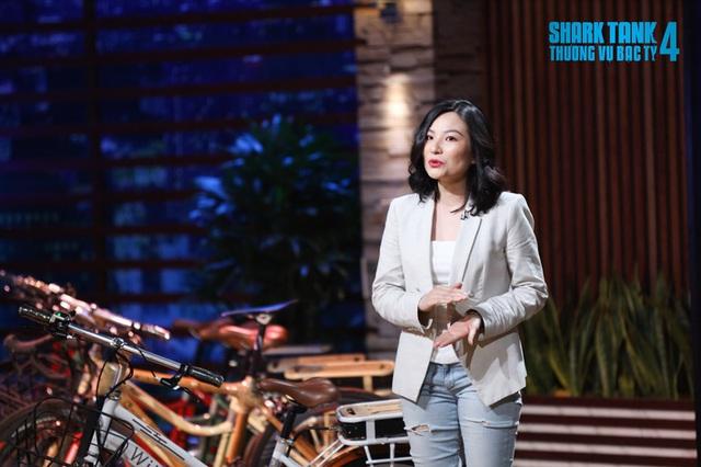 Nữ CEO khiến Shark Phú bị chỉ trích quấy rối tình dục lộ liễu: Xinh đẹp rạng rỡ nhưng học vấn khủng mới là tâm điểm - Ảnh 2.