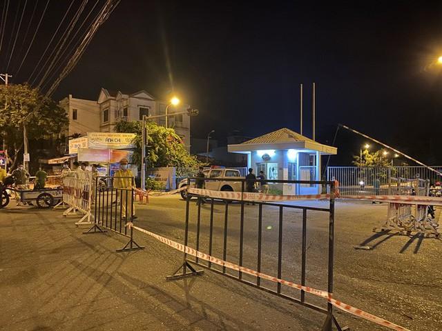 Đà Nẵng: Hơn 30 ca nghi nhiễm Covid-19, phong tỏa khẩn cấp KCN An Đồn trong đêm  - Ảnh 3.