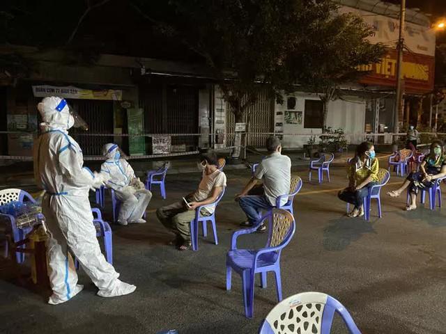 Đà Nẵng: Hơn 30 ca nghi nhiễm Covid-19, phong tỏa khẩn cấp KCN An Đồn trong đêm  - Ảnh 6.