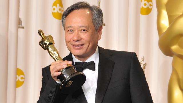 30 tuổi bị hàng chục công ty từ chối, phải ăn bám gia đình, vị đạo diễn thức tỉnh nhờ lời nói của vợ rồi thắng Oscar: Chưa thành công cũng đừng coi mình là bịch sữa hết hạn đáng vứt đi - Ảnh 1.