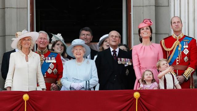 Góc thắc mắc: Tài sản của Hoàng gia Anh sau này sẽ đi đâu về đâu? - Ảnh 2.