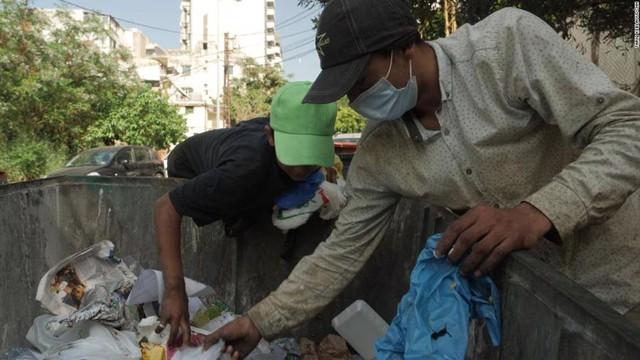 Cuộc sống đói khát tại quốc gia từng giàu bậc nhất Trung Đông - Ảnh 4.