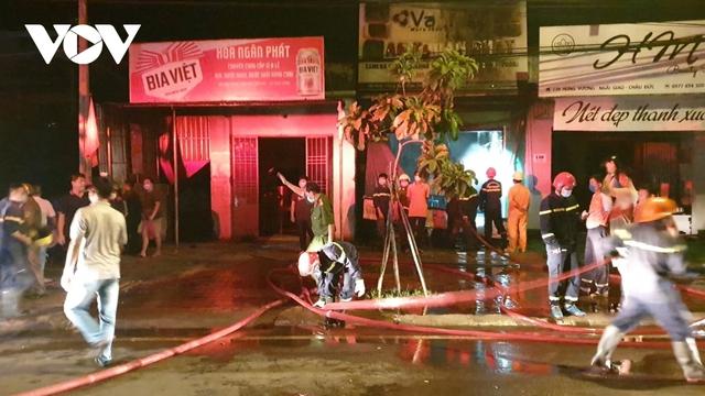 Cháy cửa hàng camera thiệt hại hơn 300 triệu đồng  - Ảnh 1.