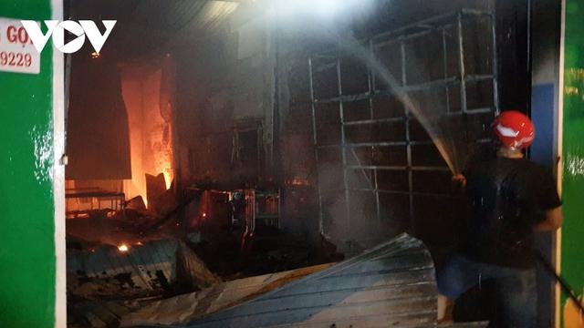 Cháy cửa hàng camera thiệt hại hơn 300 triệu đồng  - Ảnh 2.