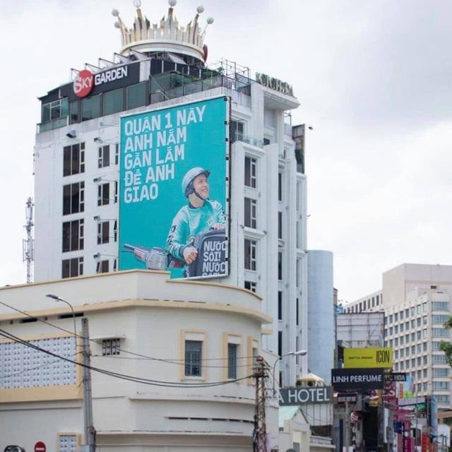 """Tặng mỗi quận một câu """"thơ"""", quảng cáo ngoài trời của Baemin khiến dân mạng cảm thán: Chơi vậy sao Grab, Gojek chơi lại! - Ảnh 7."""
