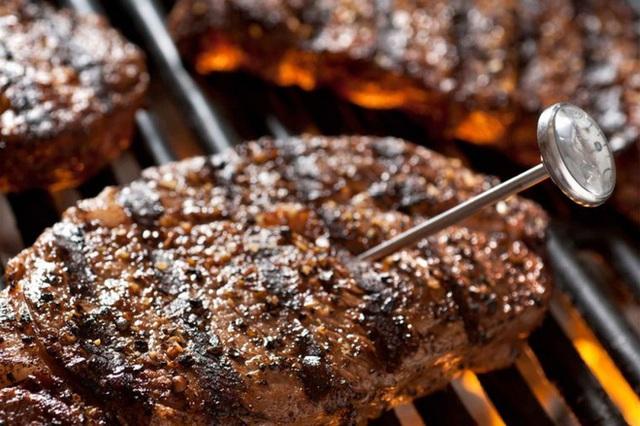 8 quy tắc giúp bạn tránh ngộ độc thực phẩm vào mùa hè - Ảnh 2.