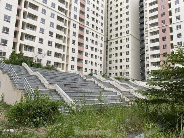 Tiếp tục bán đấu giá hàng nghìn căn hộ tái định cư ế ẩm ở Thủ Thiêm - Ảnh 1.