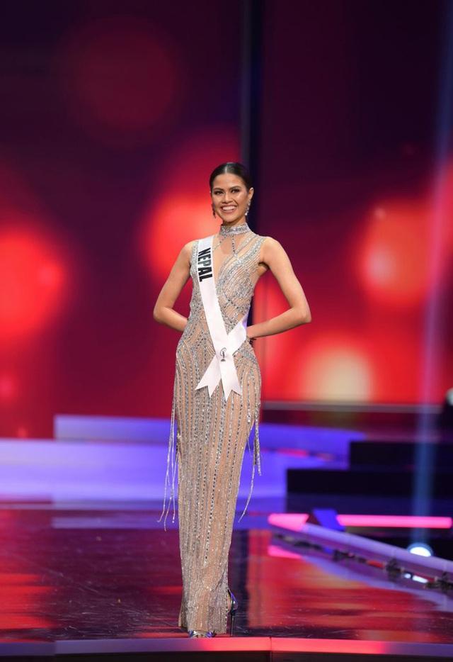 Missosology công bố top 15 trang phục dạ hội đẹp nhất Miss Universe 2020, Khánh Vân thể hiện xuất sắc có đủ sức leo top?  - Ảnh 12.