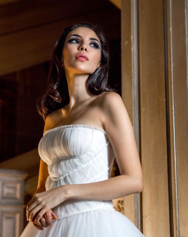 Cuộc sống sang chảnh của cháu dâu tỷ phú giàu nhất nước Nga: Mệnh danh công chúa không ngai, 2 lần kết hôn sinh con được ví như thiên thần nhưng thị phi bủa vây tứ phía - Ảnh 3.