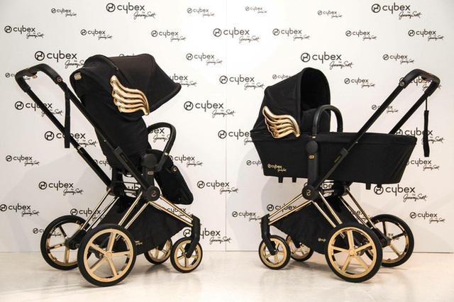 Xe đẩy Cybex cánh vàng: Siêu phẩm dành cho những em bé sướng từ trong nôi, được đích thân Giám đốc sáng tạo của Moschino thiết kế  - Ảnh 1.