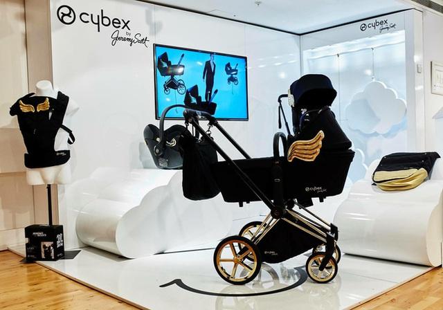 Xe đẩy Cybex cánh vàng: Siêu phẩm dành cho những em bé sướng từ trong nôi, được đích thân Giám đốc sáng tạo của Moschino thiết kế  - Ảnh 5.