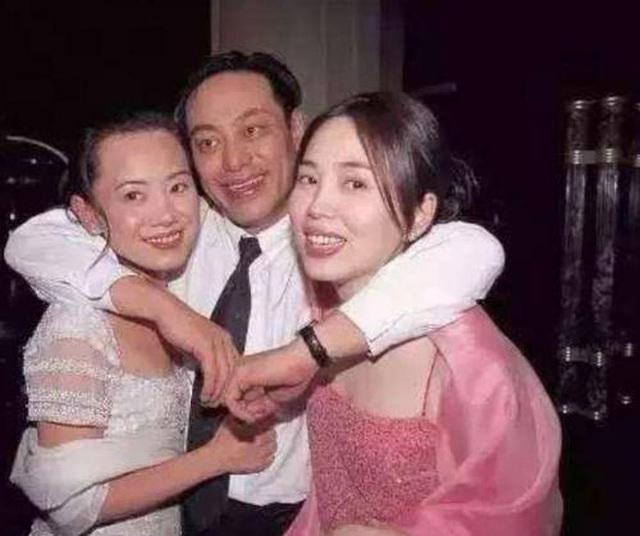 La Triệu Huy: Tỷ phú sở hữu gia sản 6000 tỷ từng bao nuôi Viên Vịnh Nghi, cặp kè hơn 30 mỹ nhân Cbiz nhận cái kết thảm cuối đời  - Ảnh 7.