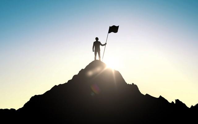 2 bài học kinh điển từ người bố doanh nhân đã thay đổi cuộc đời tôi: Thành công cao độ đòi hỏi sự hy sinh tột độ!  - Ảnh 1.
