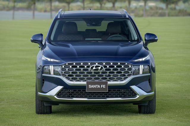 Hyundai Santa Fe 2021 chính thức ra mắt tại Việt Nam, giá từ 1,03 đến 1,34 tỷ đồng - Ảnh 3.