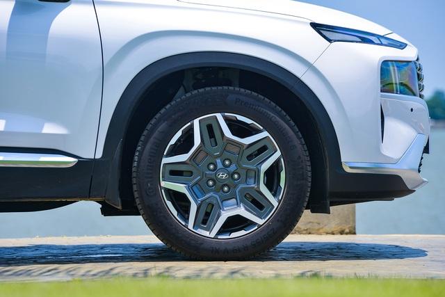 Hyundai Santa Fe 2021 chính thức ra mắt tại Việt Nam, giá từ 1,03 đến 1,34 tỷ đồng - Ảnh 5.