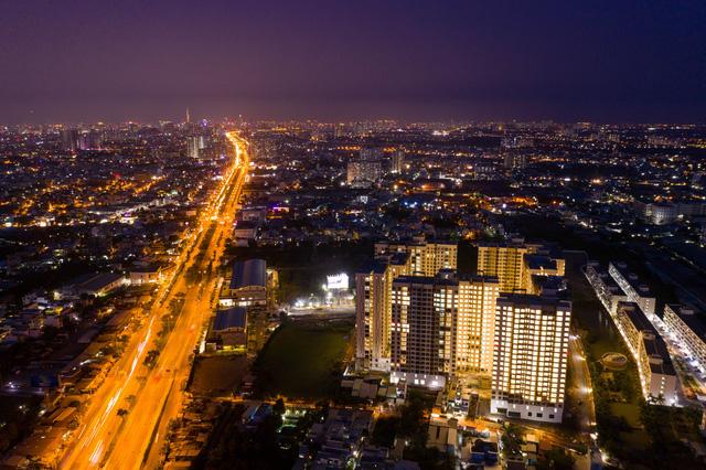 Sự khác nhau giữa BĐS khu Đông, khu Nam và khu Tây Sài Gòn như thế nào? - Ảnh 1.