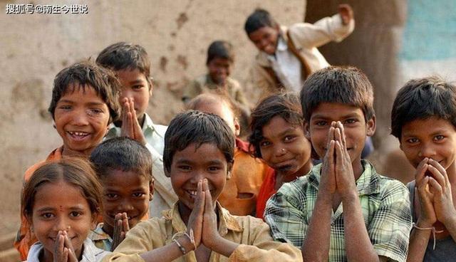 COVID-19 khiến thế giới có thêm 120 triệu người nghèo, trong đó có 75 triệu người Ấn Độ  - Ảnh 1.