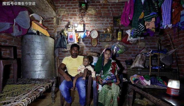 COVID-19 khiến thế giới có thêm 120 triệu người nghèo, trong đó có 75 triệu người Ấn Độ  - Ảnh 2.