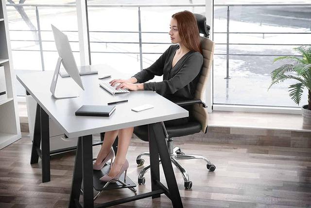 Cẩn trọng những tư thế còn hại hơn cả ngồi vắt chéo chân: Mọi người đặc biệt là dân văn phòng cần đặc biệt lưu ý! - Ảnh 3.