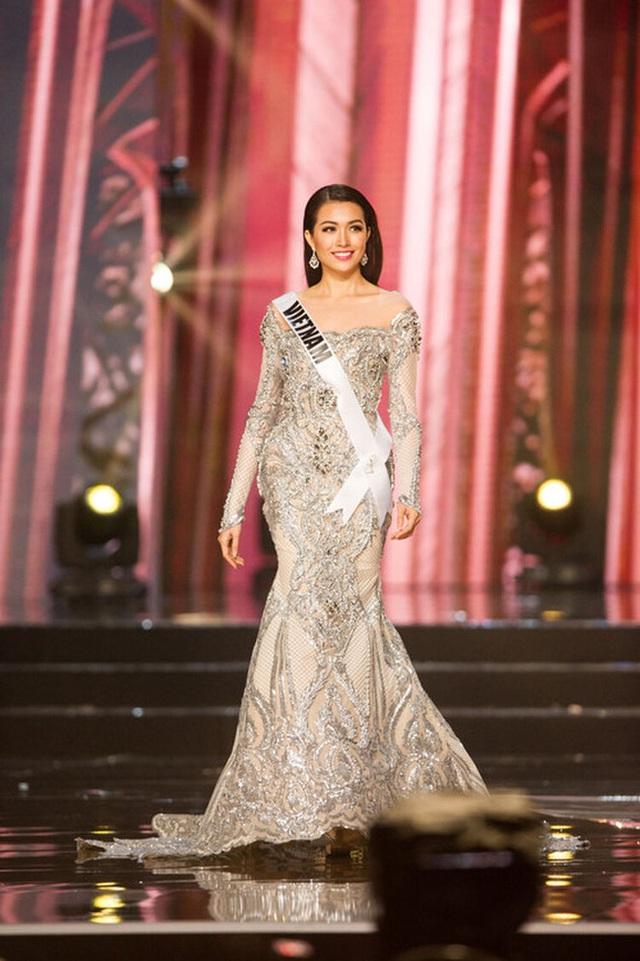 7 chiếc váy đẹp nhất Miss Universe của mỹ nhân Việt: Toàn cực phẩm nhưng ai mới là người nổi nhất - Ảnh 4.