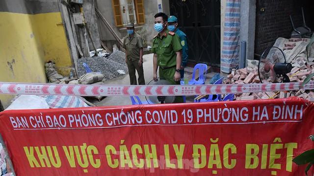 Hà Nội phong toả ngõ 212 Khương Đình có bệnh nhân mắc COVID-19  - Ảnh 4.