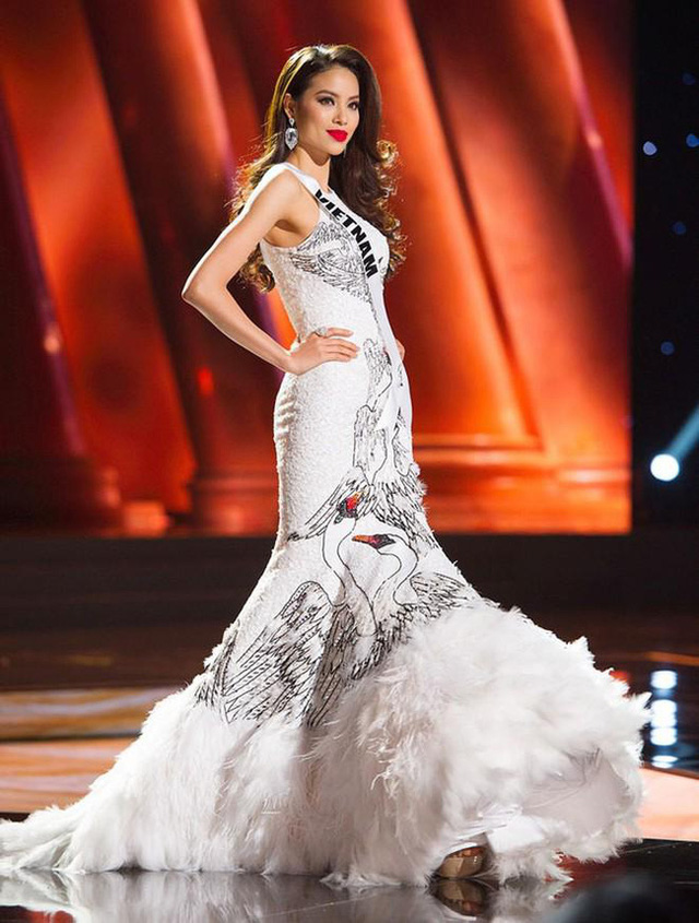 7 chiếc váy đẹp nhất Miss Universe của mỹ nhân Việt: Toàn cực phẩm nhưng ai mới là người nổi nhất - Ảnh 5.