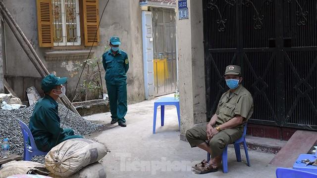 Hà Nội phong toả ngõ 212 Khương Đình có bệnh nhân mắc COVID-19  - Ảnh 5.