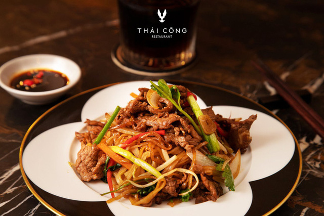 """Trước khi đóng cửa, nhà hàng của NTK Thái Công cầu kỳ và đẳng cấp tới mức này: Không được gọi nhân viên là """"Em ơi"""", chỉ nhận đặt bàn tối đa 6 khách - Ảnh 2."""