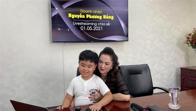 Con trai bà Phương Hằng mới 1 tuổi đã được di chúc cả nghìn tỷ đồng, bố mẹ giàu nhờ kinh doanh nhưng lại dạy con đầy bất ngờ - Ảnh 2.