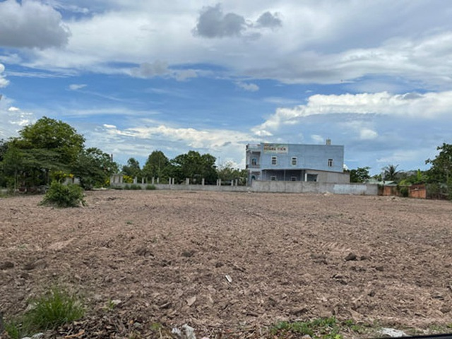Mua đất TP HCM bị chở lên tận Đồng Nai - Ảnh 1.