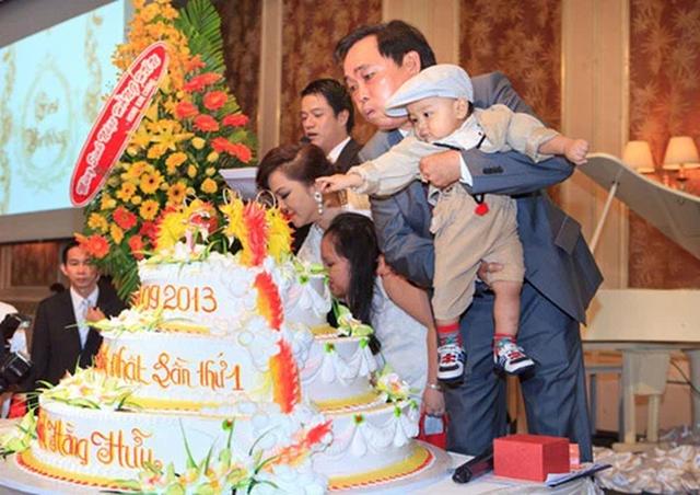 Con trai bà Phương Hằng mới 1 tuổi đã được di chúc cả nghìn tỷ đồng, bố mẹ giàu nhờ kinh doanh nhưng lại dạy con đầy bất ngờ - Ảnh 5.