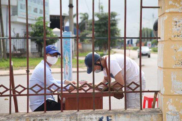 Hình ảnh đóng cửa các khu công nghiệp ở tỉnh Bắc Giang  - Ảnh 6.