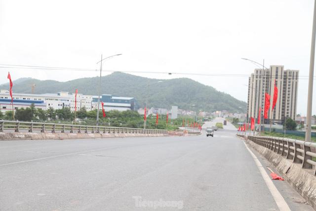 Hình ảnh đóng cửa các khu công nghiệp ở tỉnh Bắc Giang  - Ảnh 8.