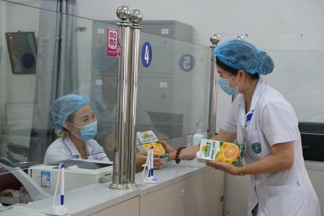 Vinamilk hỗ trợ 2 triệu sản phẩm dinh dưỡng cho cộng đồng và tuyến đầu chống dịch Covid-19 - Ảnh 1.