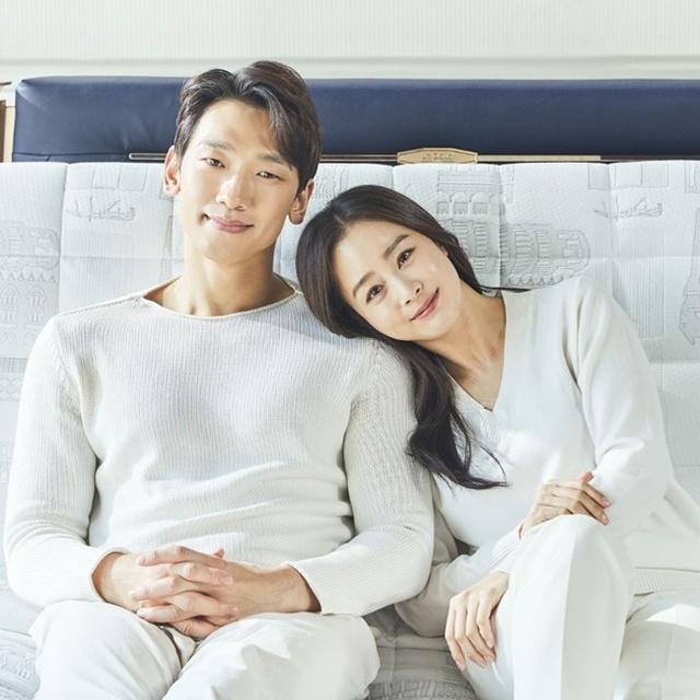 """Nghề tay trái kiếm triệu USD của những minh tinh nổi nhất xứ Hàn: Người là đại gia bất động sản, người sở hữu óc kinh doanh """"không phải dạng vừa"""" - Ảnh 1."""